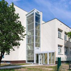 dziwg_osobowy_przeszklony-szkola